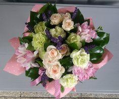 Üde csokor pasztell színekkel   2095 Floral Wreath, Wreaths, Home Decor, Homemade Home Decor, Flower Crowns, Door Wreaths, Deco Mesh Wreaths, Interior Design, Home Interiors