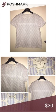 J.Crew Cotton Top Pre•loved J.Crew Cotton Top • Size 4 • Made of 100% Cotton • Excellent condition J. Crew Tops