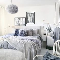 Late night bedroom inspo courtesy of @mz.interior. Have we mentioned that these stunning GREY @vitacopenhagen Eos feather pendants are arriving any day now...? #soexcited #sweetdreams
