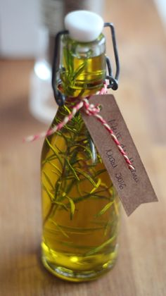 Azeite Aromatizado  (receita também em video) - http://gostinhos.com/azeite-aromatizado-receita-tambem-em-video/