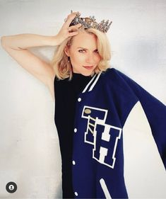 Hilarie Burton, Peyton Sawyer, One Tree Hill, Sophia Bush, Drama Queens, Madame, Pretty Woman, Graphic Sweatshirt, Glamour