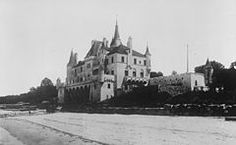 Beacon Towers, Sands Point, New York, on the North Shore of Long Island, built for Alva Vanderbilt Belmont. It featured a combination of the Châteauesque and a unique Gothic style. It was demolished in Beacon Tower, Long Island Railroad, Gilded Age, The Great Gatsby, Historic Homes, Gold Coast, Around The Worlds, United States, Sands Point