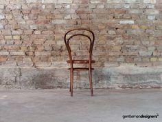 Chaise Bentwood de Jacob & Josef Kohn, circa 1900 Chaise Vintage, Wishbone Chair, Decoration, Circa, Designers, Furniture, Home Decor, Fabricant, Style