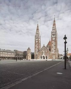 Gallery of Szeged Cathedral Renovation / architecture + Váncza Muvek Studio - 3 Church Architecture, Contemporary Architecture, Photo Studio, Hungary, Barcelona Cathedral, Big Ben, Brick, Past, Gallery