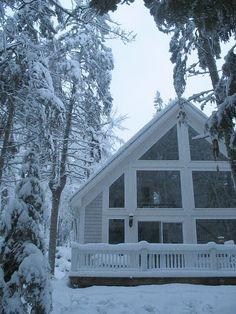 Pikku Suomi in Winter. Dog friendly all season rental.