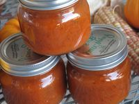 Homemade Pizza Sauce 16 cups tomatoes, peeled, cored and chopped 1 1/2 cups onions, chopped 3 garlic cloves, minced 3 bay leaves 2 TB basil 2 TB oregano 1/4 tsp. black pepper 1 TB white sugar 1 tsp. crushed red peppers 2 tsp. salt (adjusting to taste) Saute onions and...