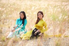 Vietnamese Traditional Dress, Traditional Dresses, Ao Dai, Long Dresses, Trousers, Feminine, Culture, Gowns, Couple Photos