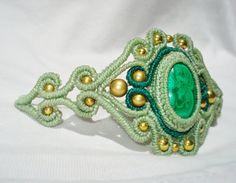 Adjustable Macrame Bracelet with Malachite by MamaKrameJewelry