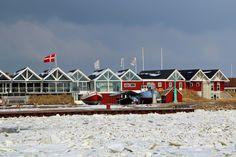 JANUARkalenderblatt Unsere Januarfavoriten (kommentiert gern): zugefrorener Fjord bei der Schleuse in Hvide Sande von Michyel #Dänemark #HvideSande