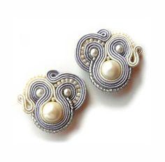 SALE Bridal Earrings Soutache Earrings Beige Gray por AdityaDesign