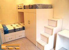 Habitación Infantil a medida con litera tren cruzada con escalera Lateral de cajones