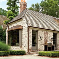 Notice the Details: The Back Bay - Peter Block Country Style Makeover - Southern Living