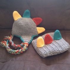 I got the colour scheme from pinterest and the pattern from etsy. The pattern turned out great! another thing for mom to make for our future little one =)