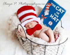 Download PDF crochet pattern 039 - Top hat and bow (tie), Cat in the hat  - Sizes newborn and 0-3mo by BeezyMomsCreations on Etsy https://www.etsy.com/ca/listing/101020069/download-pdf-crochet-pattern-039-top-hat