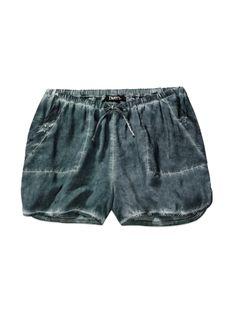 TNA WESTPORT SHORTS - Laid-back appeal: Soft and comfortably casual drawstring shorts