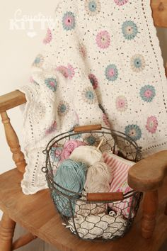 @ Countrykitty: How to make this pretty baby girl blanket - Sunburst Square by Priscilla Hewitt: http://priscillascrochet.net/free%20patterns/Afghan%20Squares/Sunburst%20Granny%20Square.pdf