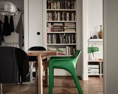 Green armchair accompanied by a green snoopy lamp ☘ . Living Room Interior, Home Interior, Interior Design, Tiny Living, Living Spaces, Berlin Apartment, Apartment Ideas, Decoration Chic, Aesthetic Space
