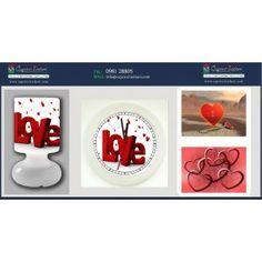 Lampada da tavolo, orologio da parete e due tovagliette americane plastificate con immagini per innamorati. Regalo ideale per esprimere il proprio amore nelle occasioni speciali come anniversari, compleanni e ricorrenze.