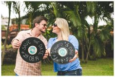 Save the Date Engagement Session- unique save the date for music lovers - old vintage vinyl records #uniquesavethedates #savethedates #savethedateideas