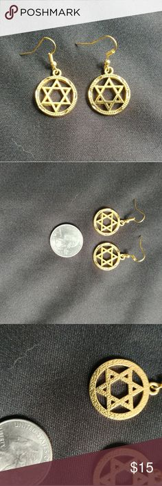 Star of David Earrings Gold tone French hook earrings. The last picture shows the back wide of earrings. Rich gold tone resembles 18k or 22k gold in color. These are not gold, but will not tarnish nor turn color. Jewelry Earrings
