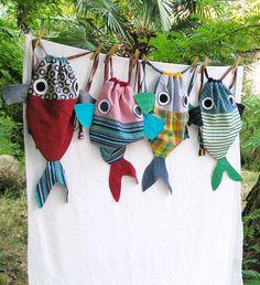 A spasso col pesce amico - Zainetti per bambine/i su ordinazione di LaGagiandra…