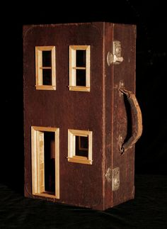 Vintage Suitcase Dollhouse: Upcycled Gorgeous von SuitcaseDollhouse