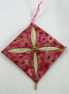 Quilted Christmas Ornament - Cathedral Window