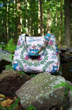 Free PDF pattern and instructions for sewing the Ethel Bag from Swoon Patterns