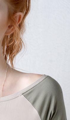 Long sleeve raglan top