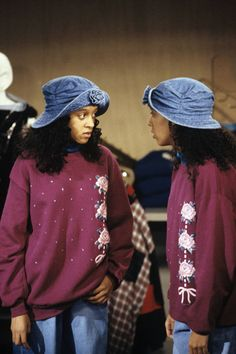 The girls were BIG fans of double denim. We're loving the floral embroidery too. Hip Hop Fashion, 90s Fashion, Retro Fashion, Fashion Outfits, Swag Outfits For Girls, Girl Outfits, Sisters Tv Show, Tia And Tamera Mowry, 90s Inspired Outfits
