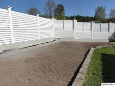 staket British Home, Aluminum Fence, Rustic Gardens, Plank, The Hamptons, Gate, Sidewalk, Deck, Outdoor Decor