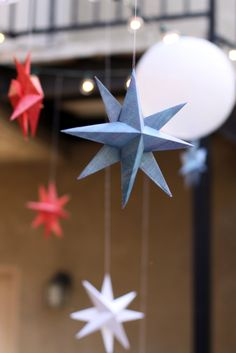 Easy DIY stars made of paper - they'd be so fun in gold and silver for the holidays!