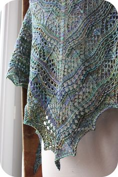 I'm addicted!!!! The pattern is just faboulous, really simple and the yarn…the yaaaaarrrrrnnnnnnn! Oh my God! :) Modifications : I've made the chart 3 in place of the chart 2 and...
