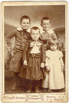 +~+~ Antique Photograph ~+~+   Cabinet card of siblings - look at those impish faces!
