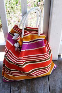 low cost beach bag (via alittleglassbox)