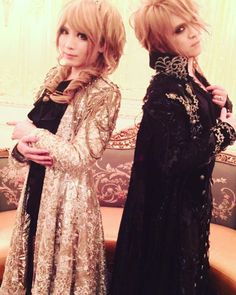 HIZAKI Official Instagram has been updated with a photo from today's shooting. W #KAMIJO #DESTINY-TheLovers- #HIZAKI #Versailles 10th Anniversary Ceremony 「CHATEAU DE VERSAILLES」 6/23 Toyosu …