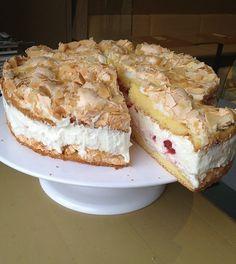 A neve George. Hamilton Cakes, George Hamilton, Sweet Cakes, Sweet Bread, Bread Recipes, Sweets, Ethnic Recipes, Food, Essen