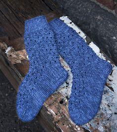 Strikk lett strikkede sokker lett i to lag vekselvis Socks, Knitting, Fashion, Knitting Socks, Moda, Tricot, Fashion Styles, Cast On Knitting, Sock