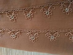 This Pin was discovered by İnc Filet Crochet, Bead Crochet, Irish Crochet, Crochet Lace, Crochet Stitches, Needle Lace, Needle And Thread, Crochet Unique, Hairpin Lace