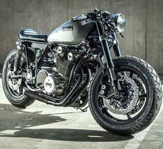 ️Nice looking Yamaha caferacer