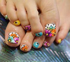 The Best Health & Beauty Pretty Pedicures, Pretty Toe Nails, Cute Toe Nails, Pretty Toes, Pedicure Nail Art, Pedicure Designs, Toe Nail Designs, Toe Nail Color, Toe Nail Art