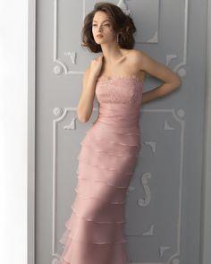 Vestido para fiesta en rosa y largo por Aire Barcelona 2013