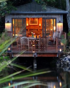 Cabin / lake house / vacation home Style At Home, Beautiful Homes, Beautiful Places, Peaceful Places, Haus Am See, Cabin In The Woods, Cabins And Cottages, Lake Cabins, Little Houses
