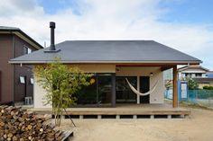 Modernistyczne domy od 株式会社kotori