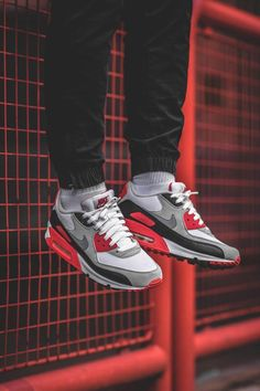 Nike Air Max 90 Infrared (by smileymalone)