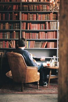 People could think of the store as their own private library where they can keep any book they fancy.  Marion a Merci.