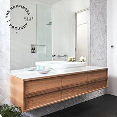 Great Bathroom Decor And Design - Top Style Decor Small Bathroom Layout, Small Bathroom Tiles, Small Bathroom With Shower, Narrow Bathroom, Bathroom Renos, Laundry In Bathroom, Bathroom Plants, Bathroom Vanities, Bathroom Ideas