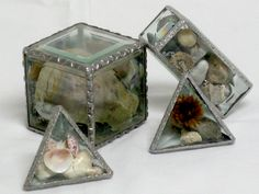 SU-08 Decorative soldering: memory boxes Bead Crafts, Fun Crafts, Learn Art, Stained Glass, Glass Art, Las Vegas, How To Memorize Things, Decorative Boxes, Workshop