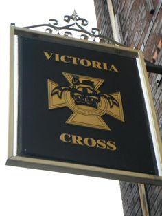 The victoria cross liverpool / Clickasnap
