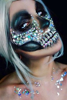Sugar skull makeup is not something that everyone will be able to replicate. But once you master the art, there will be no turning back! In a good sense. #halloweenmakeup #halloweenfun #halloween #lbloggers #halloweencostume #diy